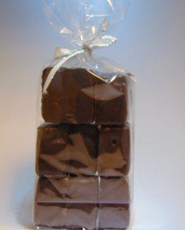 Krokante vierkante spekken met fondant chocolade VDV Chocolaterie